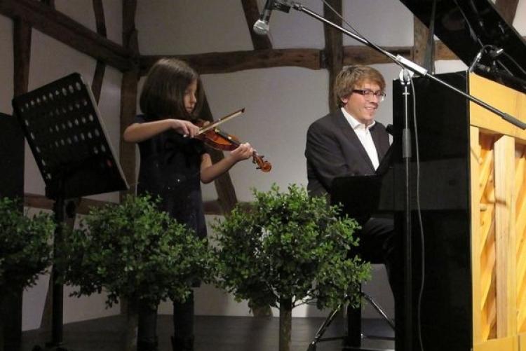 Elise Riviere (Gesang) und Adrian Rinck (Klavier) - 2013