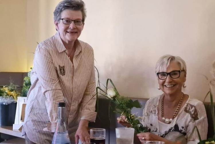 Bruni Monnerjahn (rechts)  übergibt das Amt an Susanne Faber